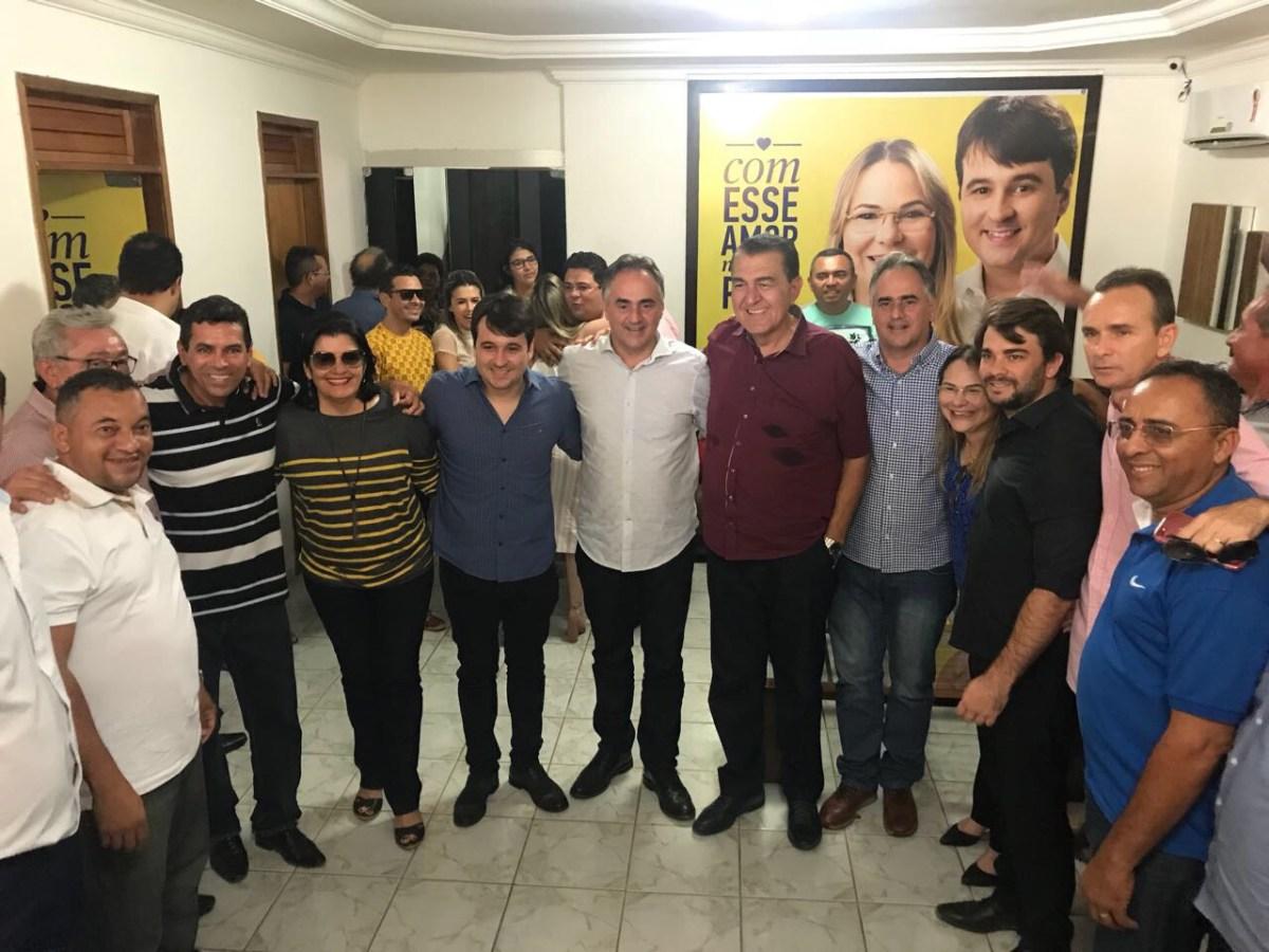 Cartaxo se encontra com prefeitos, vereadores e lideranças de 10 municípios do Vale do Piancó