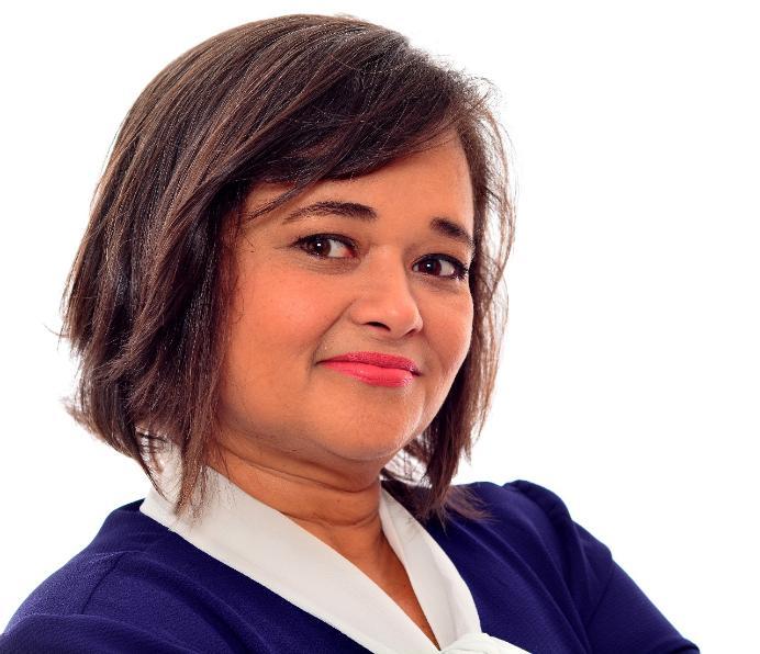 Adriana Bezerra lança blog sobre política