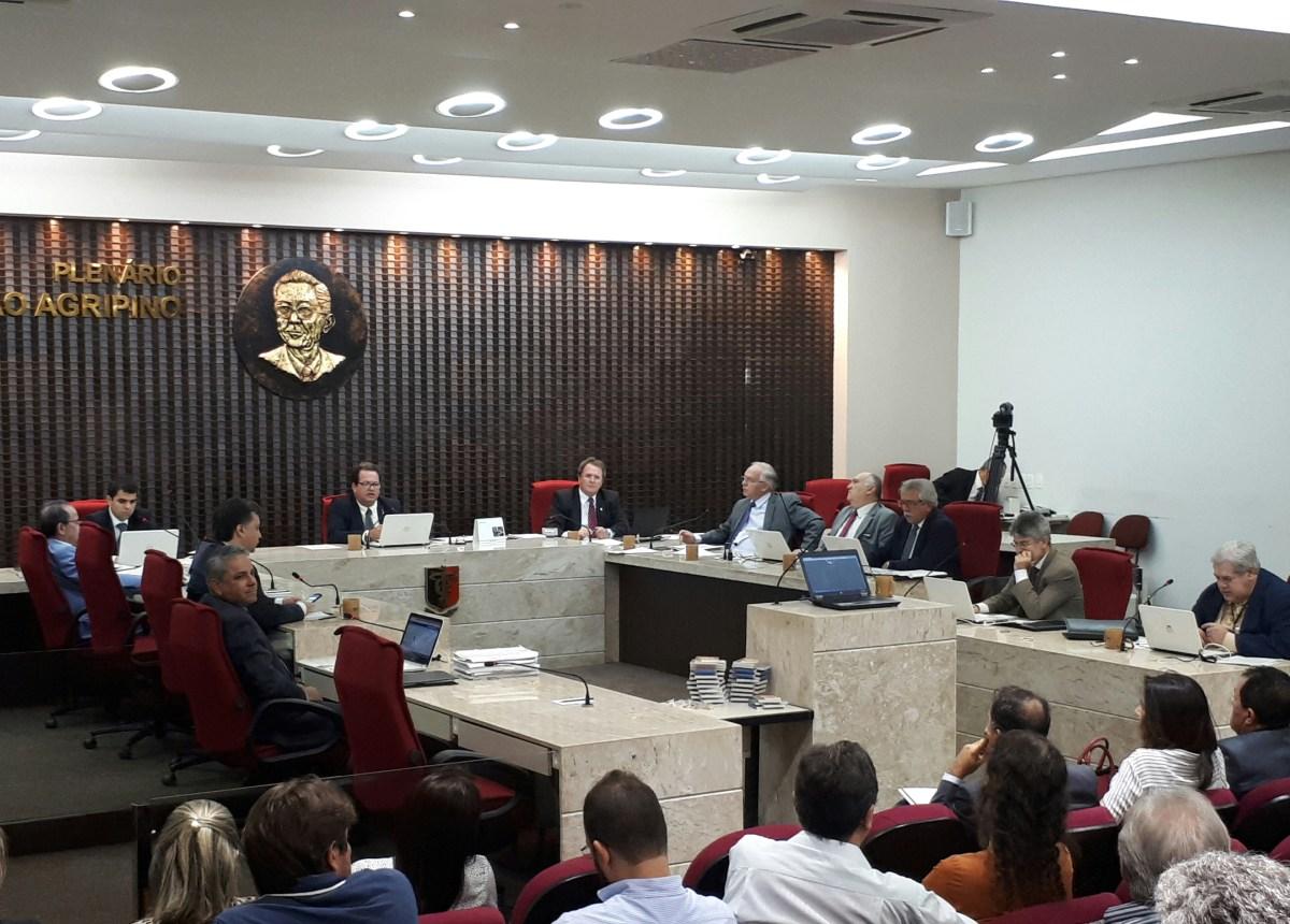 TCE julga contas de 25 prefeituras hoje