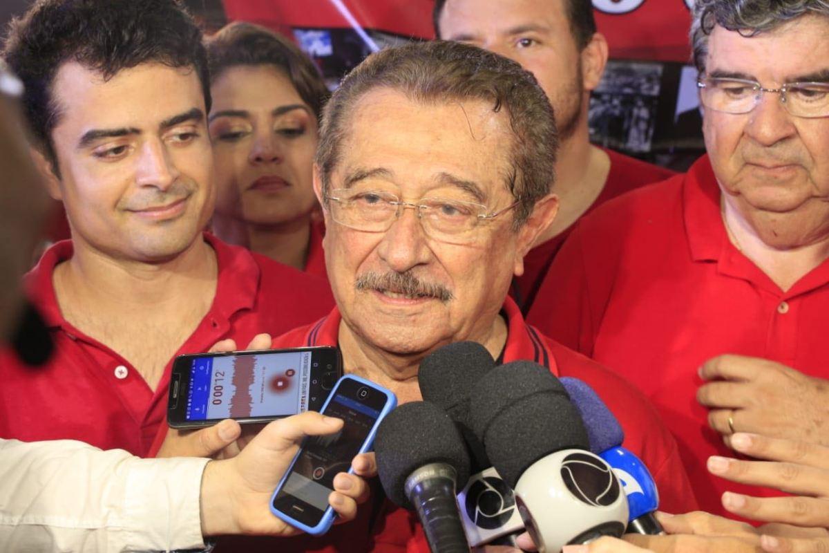 """""""Só se me matarem"""", diz Maranhão sobre deixar a disputa em coletiva"""