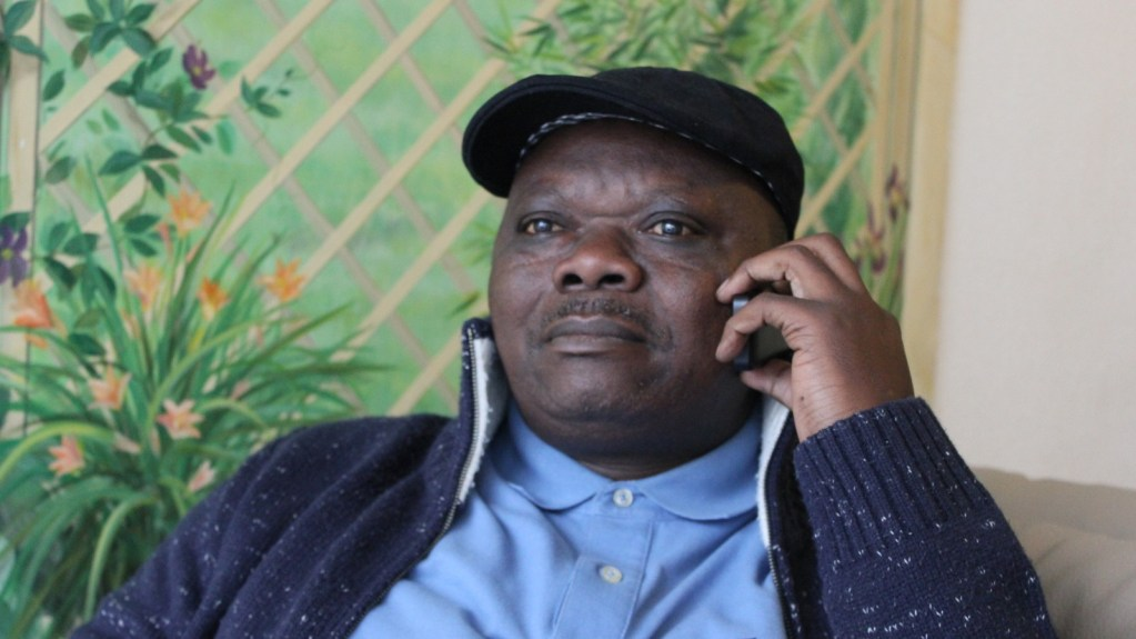 """Jean-Pierre Bonganga: """"nous avons trouvé la solution pour que le MLC signe l'accord"""""""