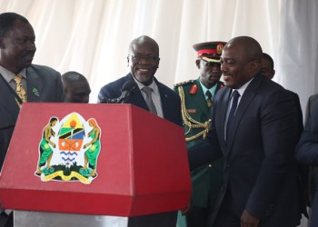 Kabila signe de juteux contrats pétroliers en Tanzanie