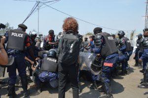 La police Congolaise arrête des manifestants à Goma.