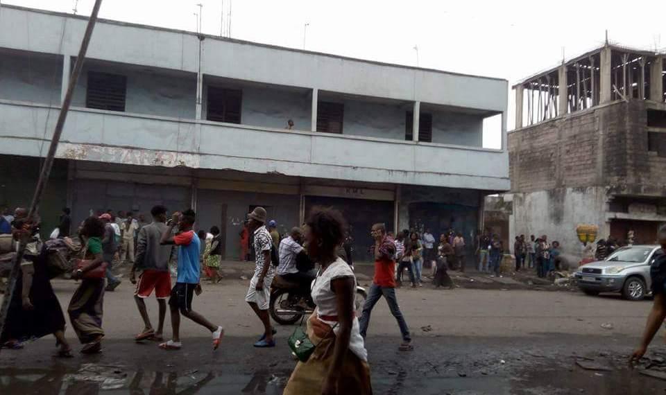 """Zando: un policier blessé, """"la situation est sous contrôle"""", affirme la Police!"""