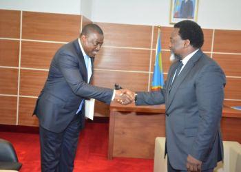 Le président angolais envoie un émissaire à Kabila