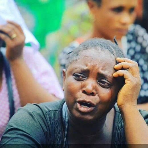 """Beni: émouvante manifestation des femmes """"pleureuses"""" réclamant la fin de massacres"""