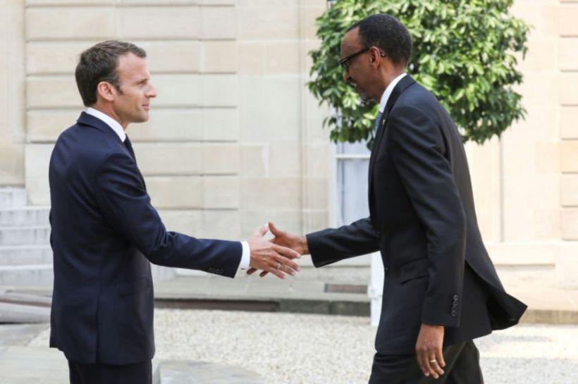 UN ENNEMI DU CONGO NOMMÉ PAUL KAGAME, MAÎTRE AUTORITAIRE DU RÉGIME HÉGÉMONISTE ET EXPANSIONNISTE TUTSI A KIGALI, CRIMINEL (CONTRE)GÉNOCIDAIRE DES RWANDAIS ET CONGOLAIS ENCORE NON RECONNU PAR LA CI ! JUSQUE QUAND ? 1123945-le-president-francais-emmanuel-macron-a-gauche-accueille-son-homologue-rwandais-paul-kagame-a-l-elys