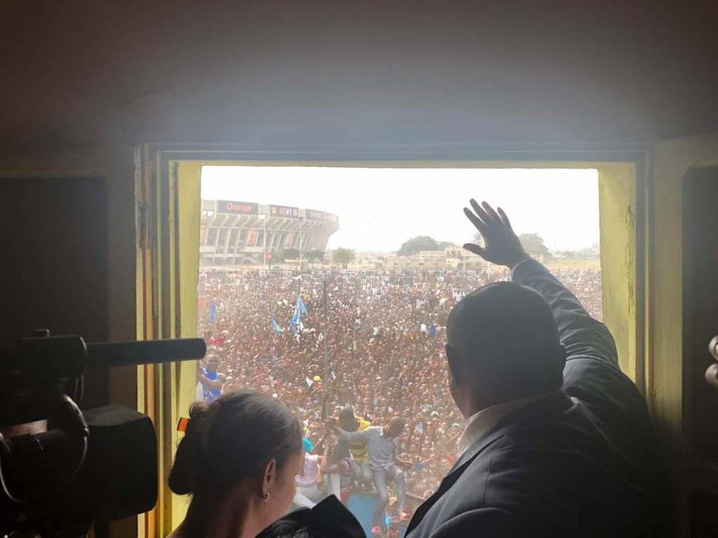 """RDC: Le MLC dénonce une """"prise d'otage"""" de Bemba et sa famille à Kinshasa"""
