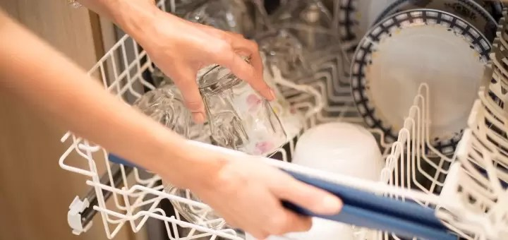 Jak układać naczynia w zmywarce?