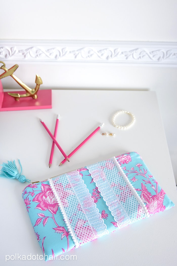 Sewing Pattern for a Lilly Pulitzer Inspired Clutch by Melissa Mortenson of polkadotchair.com