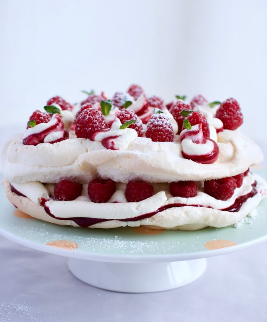 Raspberries and cream pavlova