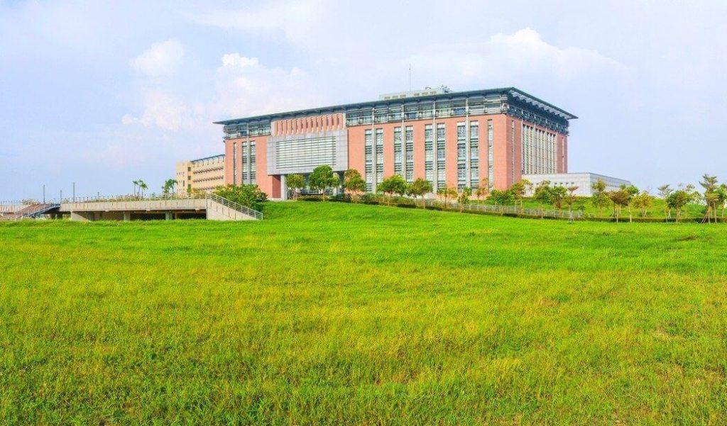 「大學墅」在建材上比照豪宅等級,戶戶配備有Poll-tex抗 PM2.5 紗窗