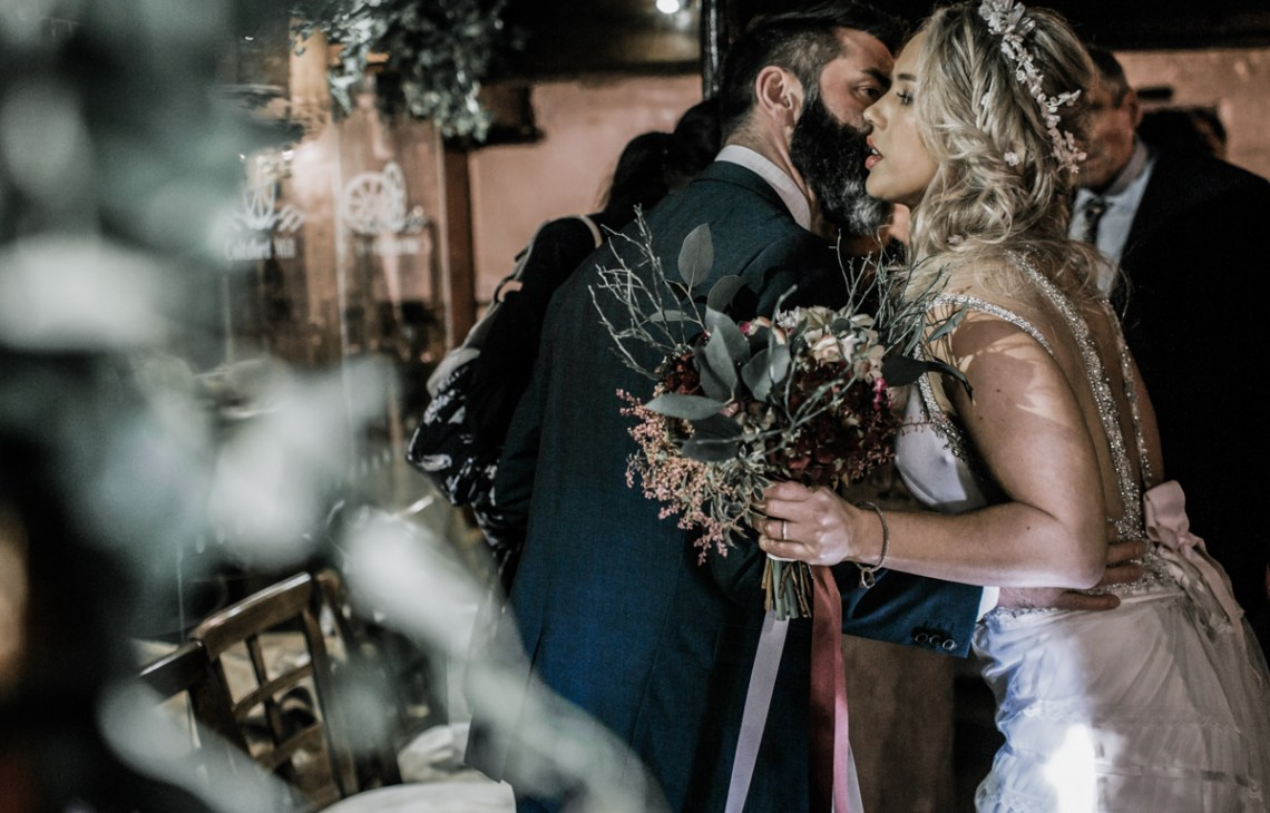 eco-friendly bride December wedding flowers