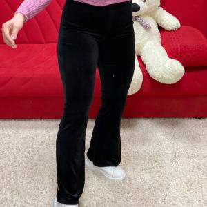 Pantalone a zampa in velluto