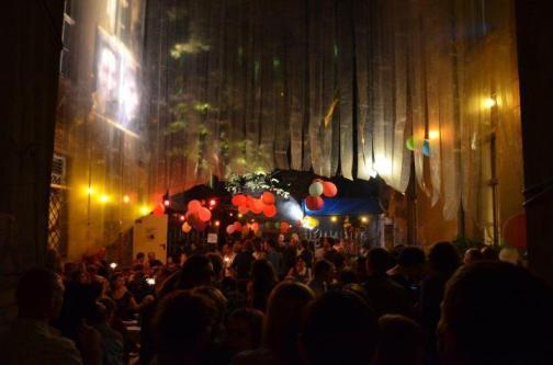 10-Jahre-Feier im Hof des Clubs / Foto: Tomasz Kamil Gbur
