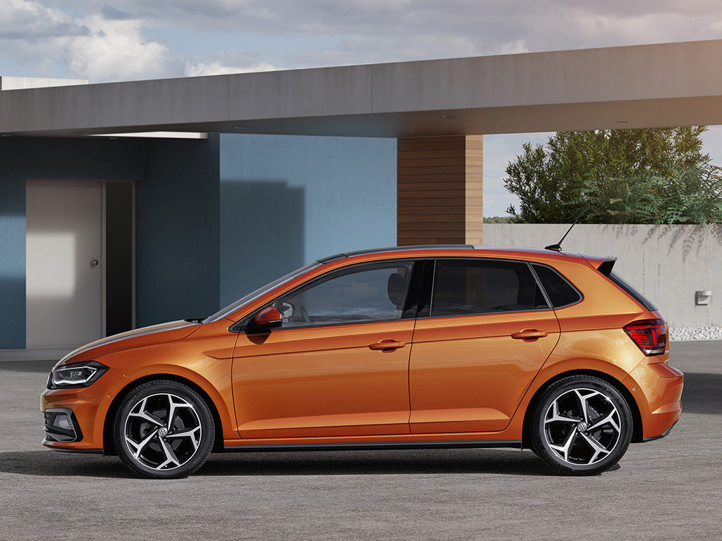 Advanced dynamic and efficient new sixth generation polo for R line pack esterno polo