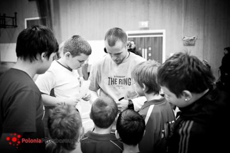 autografy w polskiej szkole w Peterborough