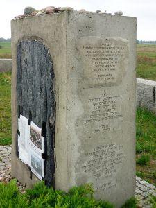 Jedwabne_Z-pomnik