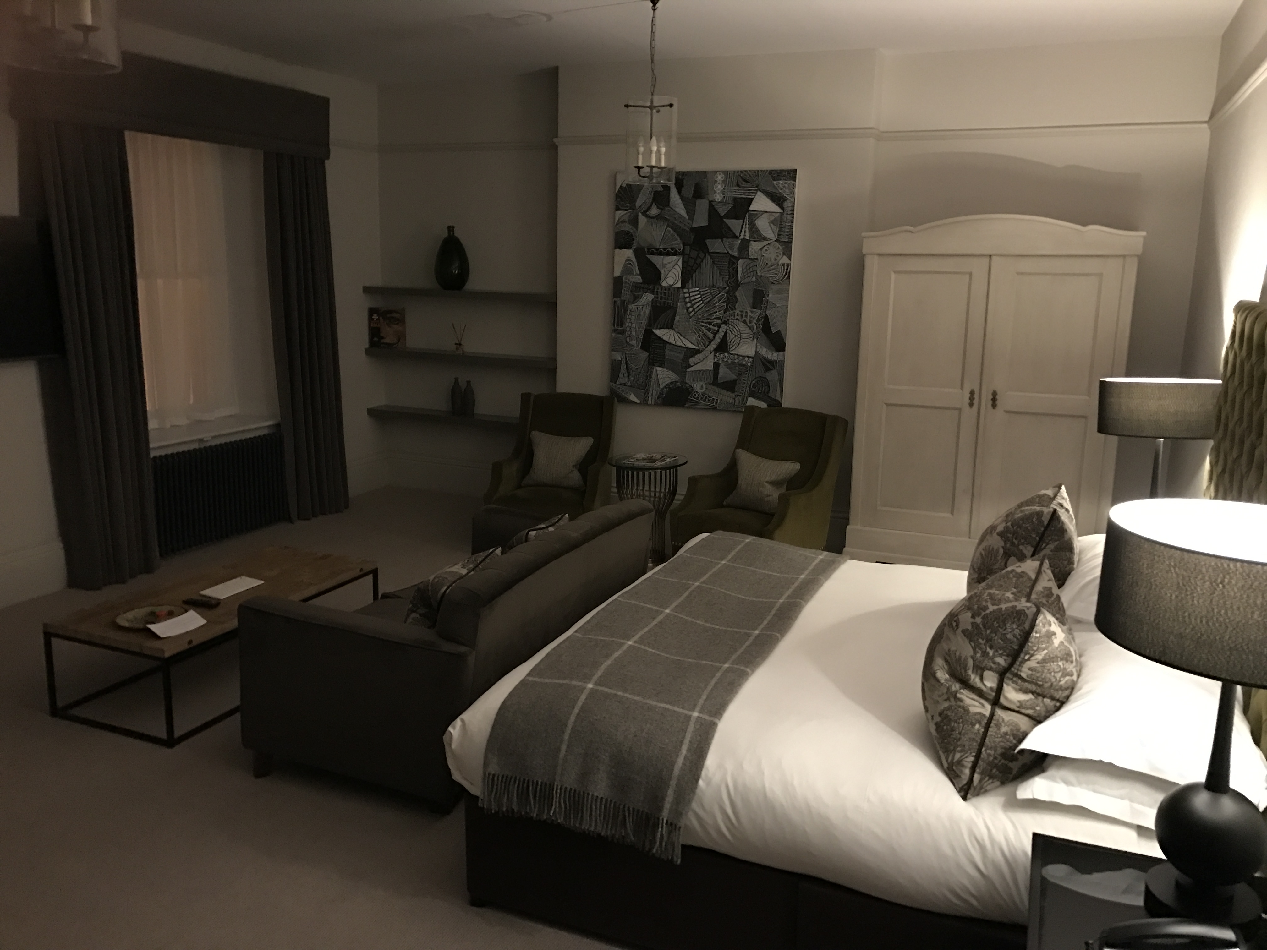 had a bit of a journey back home i was really happy to just walk up a flight of stairs and find my indulgence room ready for me to get comfy in