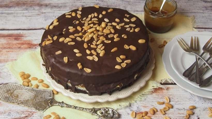 tort czekoladowy ze słonym karmelem