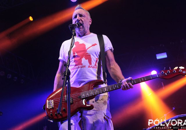 peter hook-pabellon-cuervo-mexico