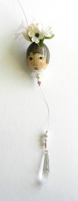 pink-white-eggshell-lady