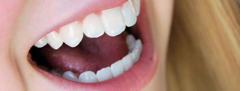 A picture of a mouth articulating. Accurate phonetics gets us close to sound native. Image from freeimages.com
