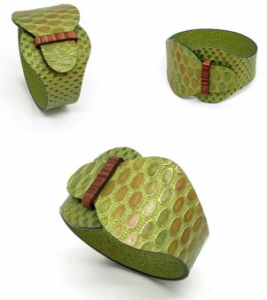 Delphine Vignoble makes simple stylish with this buckled bracelet on PolymerClayDaily.com