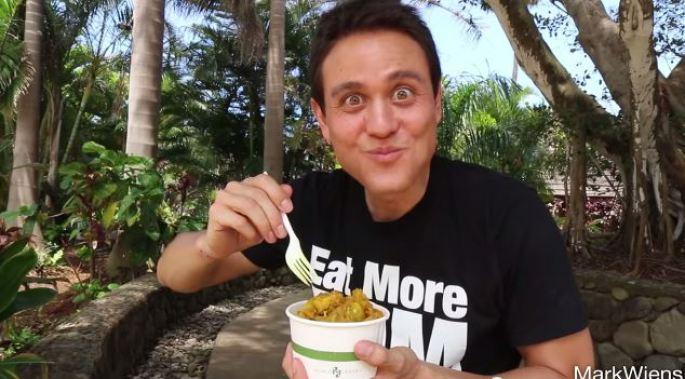 Mark Wiens Food Tour at the Polynesian Cultural Center - polynesia.com | blog