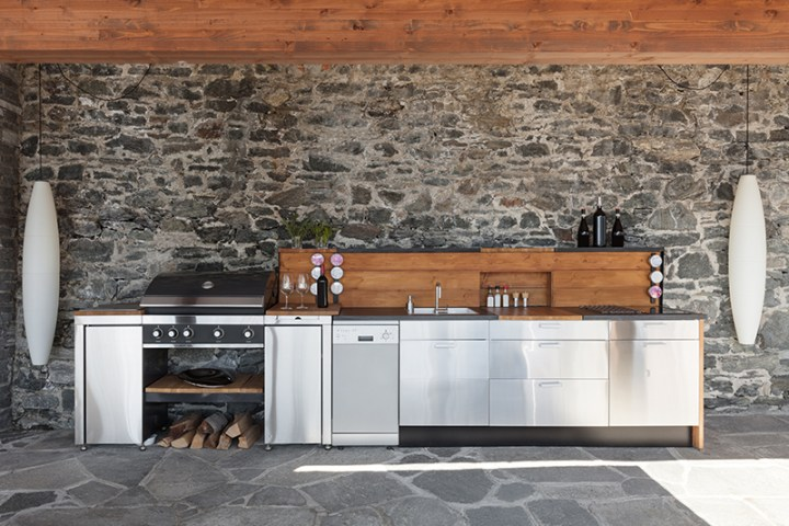 Large Modern Outdoor Kitchen Bar Combo