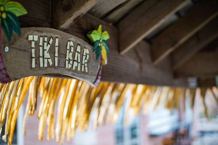 Tiki Style Straw Hawaiian Outdoor Bar