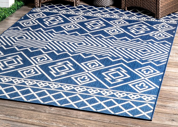 Non slip outdoor area rug.