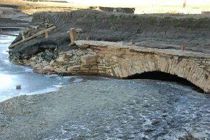 Most který kdysi vedl přes Ostravici na Starých Hamrech