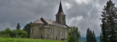 Kostel, který je už zase vidět