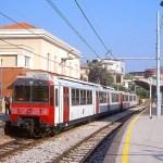 Circumvesuviana, treno si surriscalda, viaggiatori fatti scendere e accompagnati alla vicina stazione Garibaldi