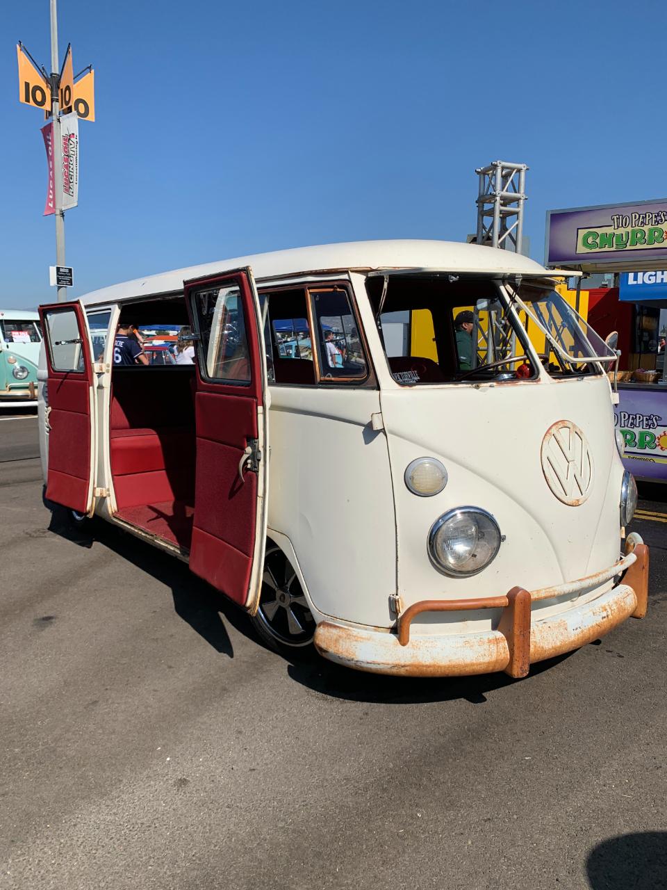 1966 VW Barndoor Bus