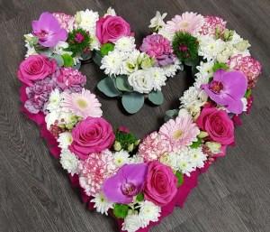 gerbe-coeur-composition-fleurs-deuil-enterrement-tombe-pompes-funebres-odet
