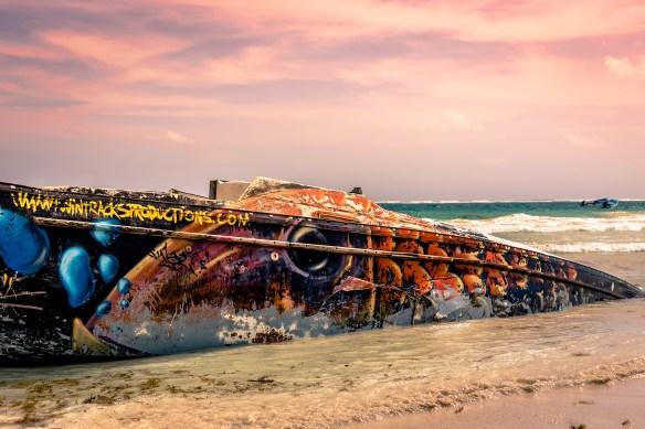 tulum_playa_pescadores_boat_sunset