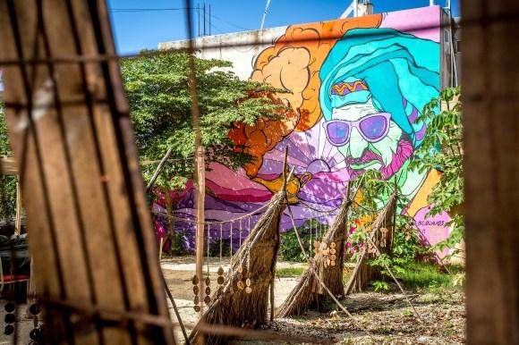 tulum_town_graffiti_restaurang