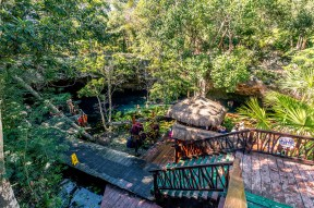 tulum_town_gran_cenote_stairs