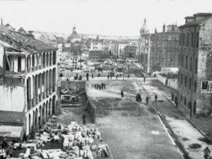 Gran Vía de Madrid | Obras de demolición para la construcción del tercer tramo de la nueva arteria madrilena | Edificado el primero entre 1910 y 1915