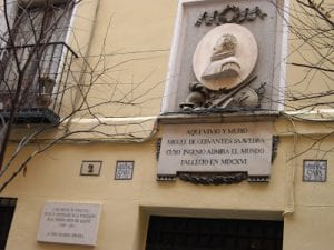 Placa en la casa donde vivió y murió Miguel de Cervantes Saavedra en 1616 | Calle de Cervantes | Barrio de las Letras | Madrid