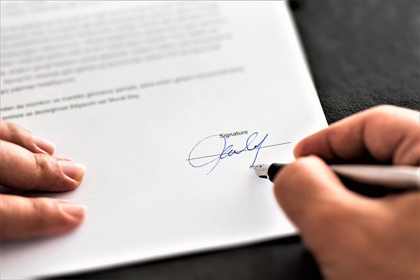 business contract transaction agreement signatures
