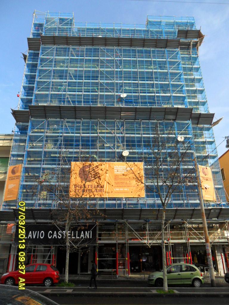 ponteggio multidirezionale manutenzione ristrutturazione facciata edificio