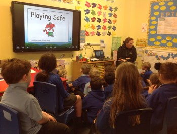 P.C. Parry Teaches Year 2 to Play Safe
