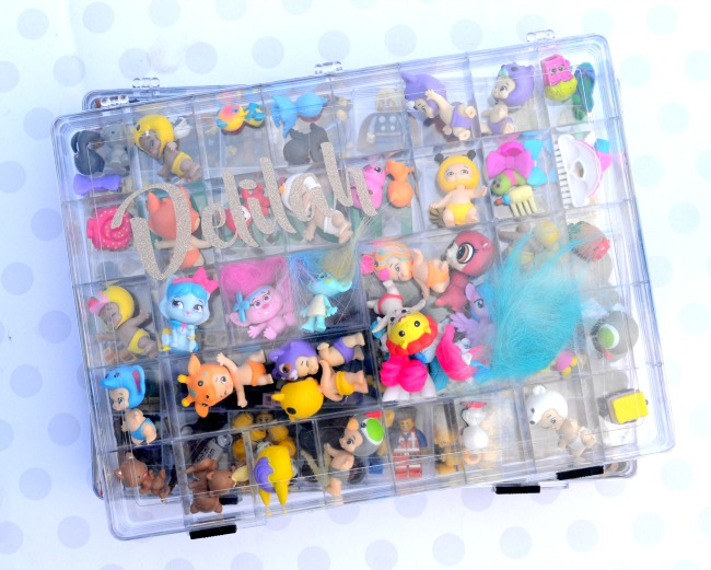 The perfect storage container for small toys. Great for shopkins, twozies, minecraft and lego minifigures!