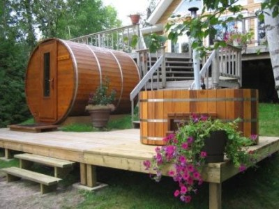 Northern Lights Hot Tubs And Saunas   Information  Reviews  Ratings     It s aromatic scent is very pleasant and soothing  It s fibrous structure  makes it the ideal wood for water tightness  as well as giving it one of  the