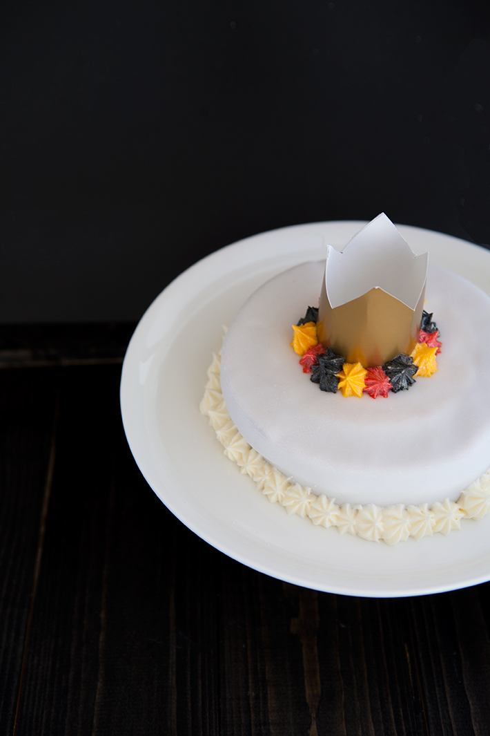 vertical_layer_cake_belgique_patriotique_gateau_3