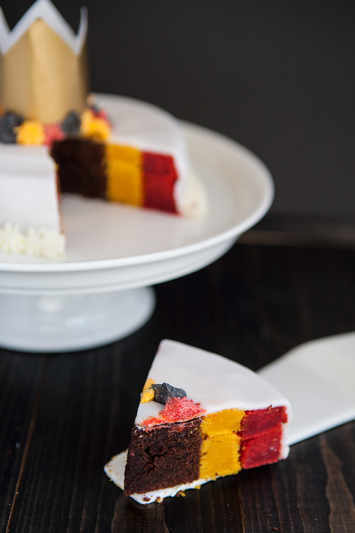 vertical_layer_cake_belgique_patriotique_gateau_4