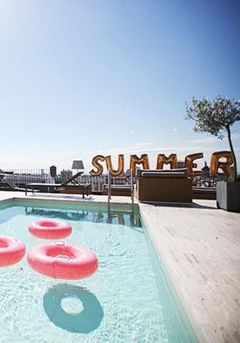 sea-sex-and-swimming-pool-and-ice-cream_01_28